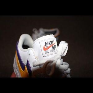 Nike air force swoosh pack in white